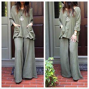 Tops - Olive gauze loose fit side pocket tunic top
